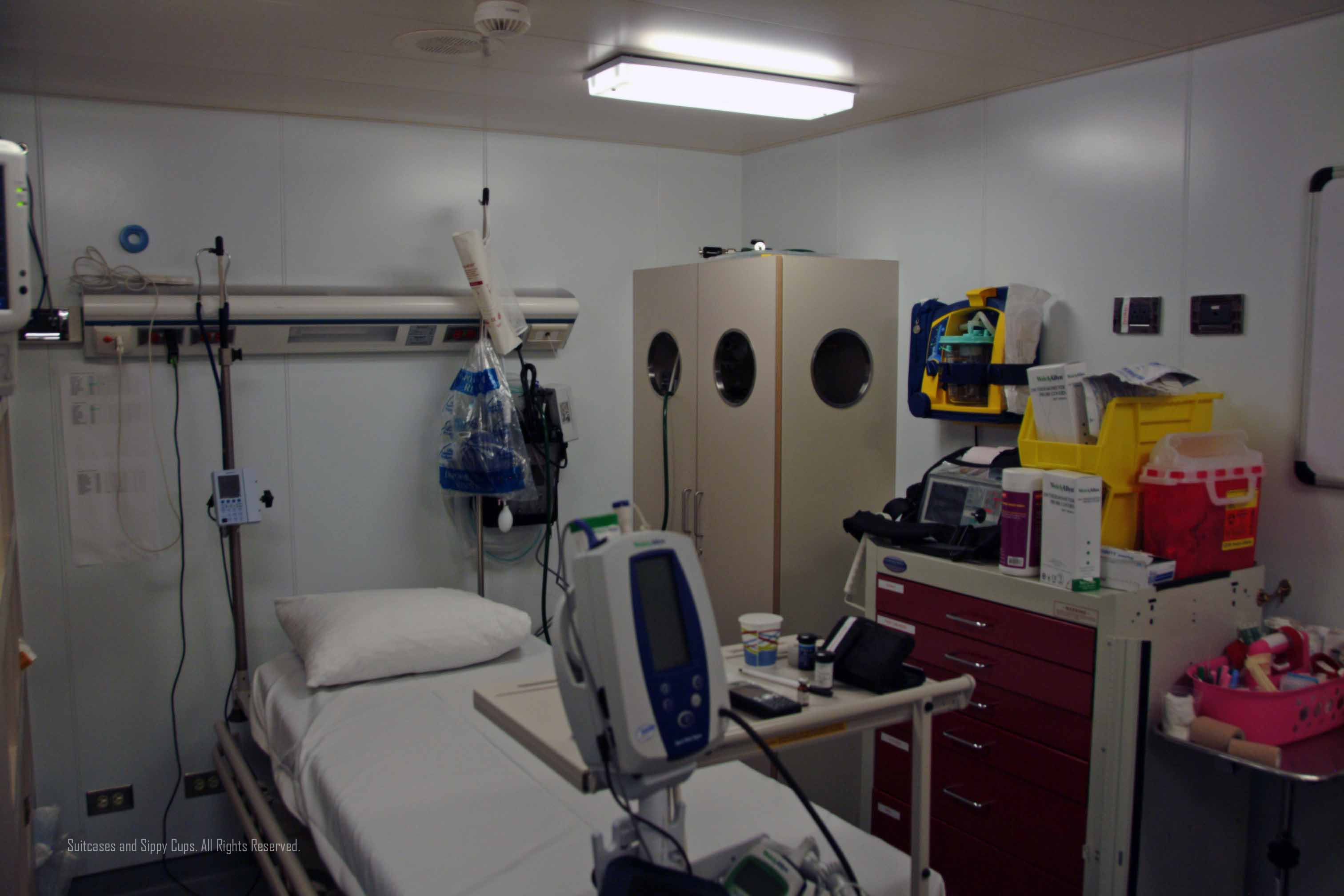 Is There A Doctor On The Ship Medical Care On A Cruise Ship - Cruise ship staff quarters