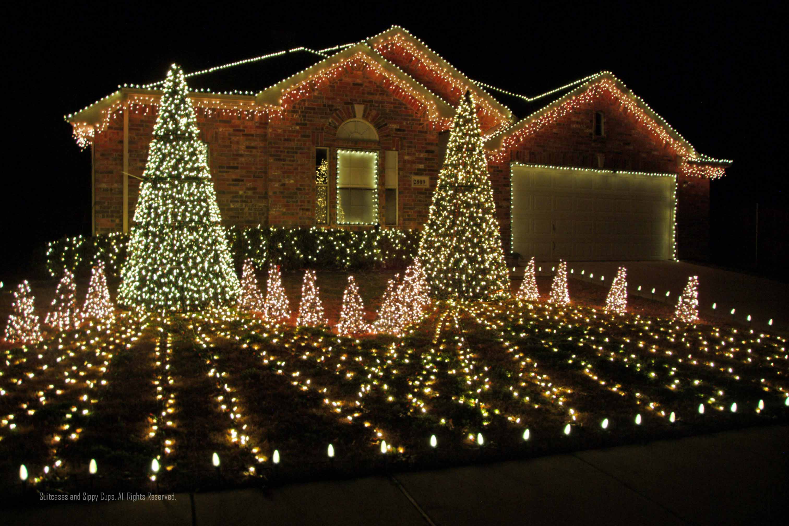 computerized christmas lights and cocoa suitcases and sippy cups - How To Put Christmas Lights On Roof
