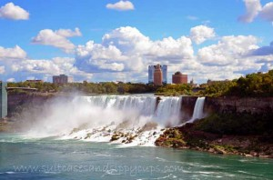 Niagara Falls: Which Side is Better? Travel Tips Tuesday