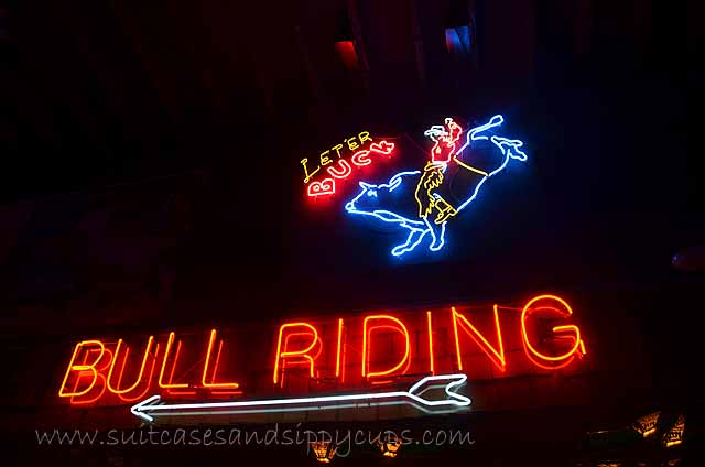bull riding billy bobs